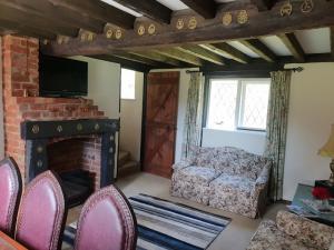 new english cottage 2